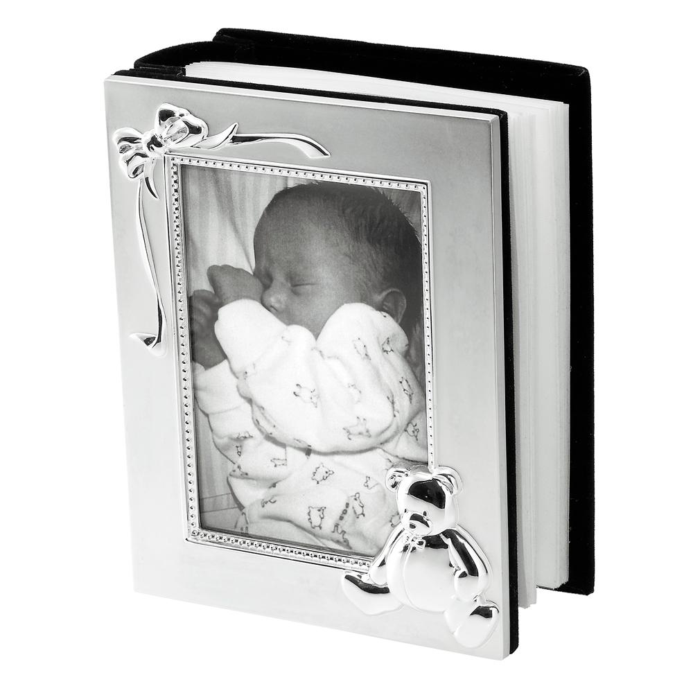Vauvan valokuva-albumi, nalle ja rusetti