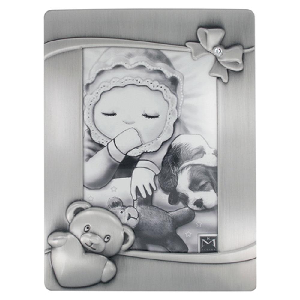 Vauvan valokuva-albumi, rusetti kivellä, nalle ja sydän