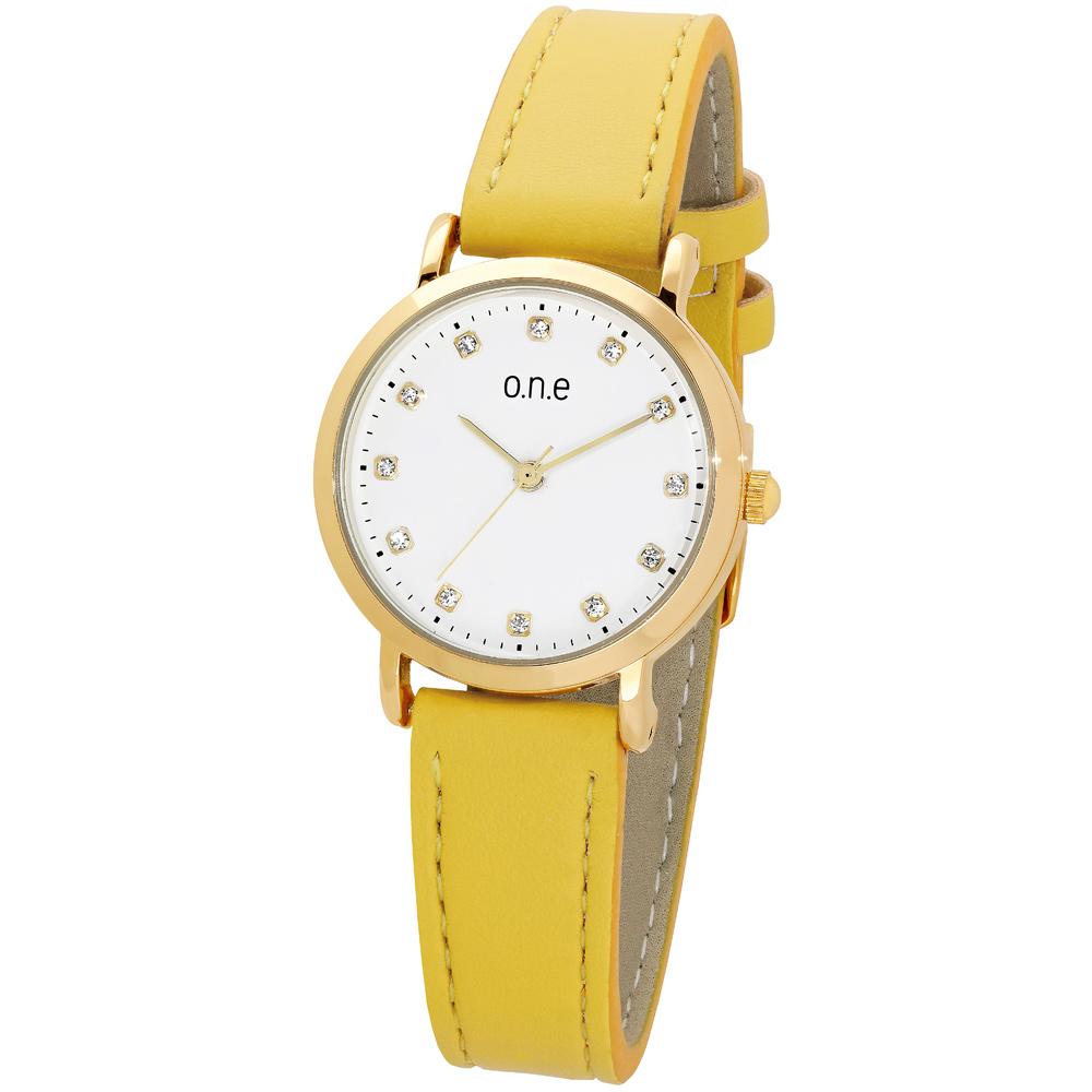 o.n.e rannekello, valkoinen kellotaulu, keltainen ranneke